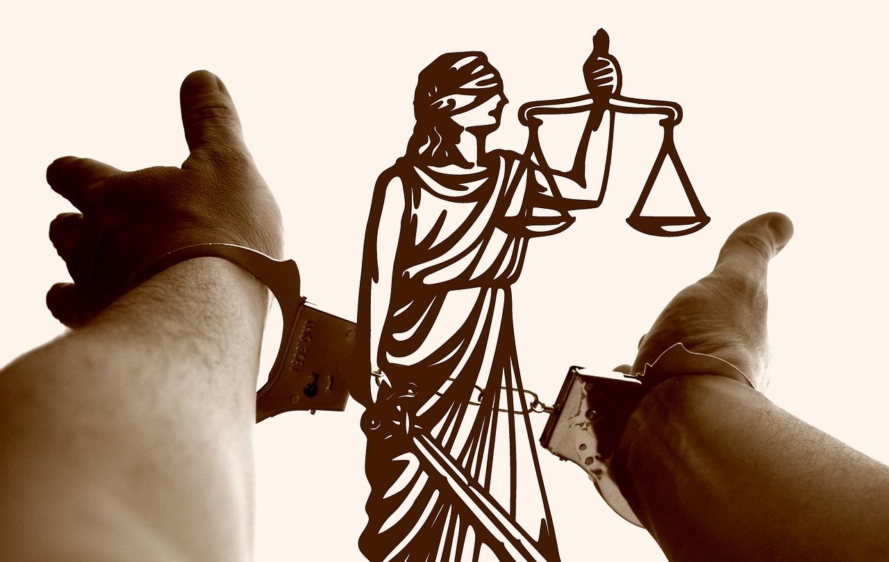 justitia-3222265_1280